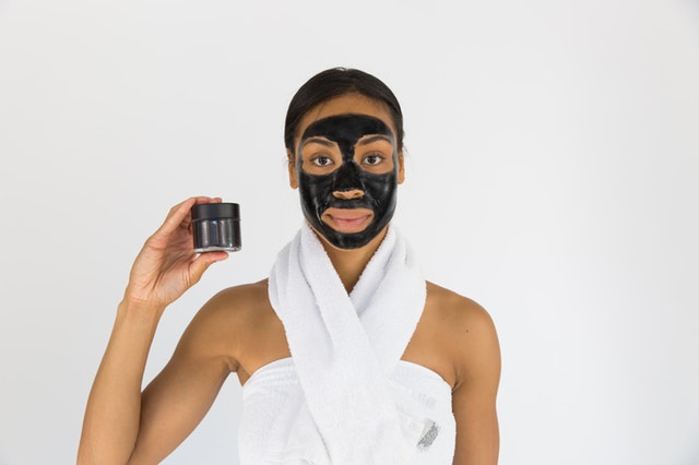 slupovací pleťová maska