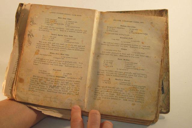 stará kuchařka – kniha