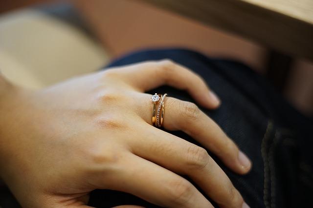 prstýnky na ruce