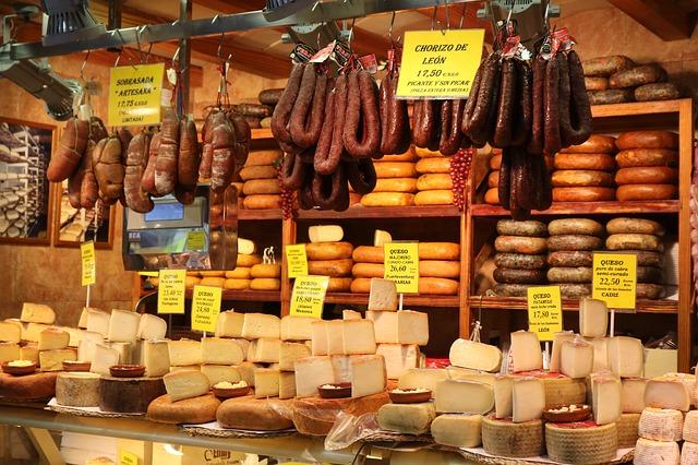 sýry, maso… potraviny bez obalu