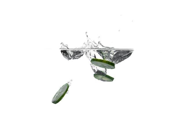 Okurka ve vodě