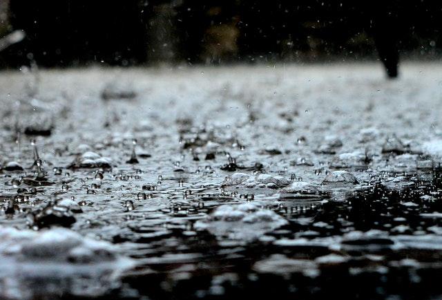 když venku prší, doma se můžete také skvěle zabavit.jpg