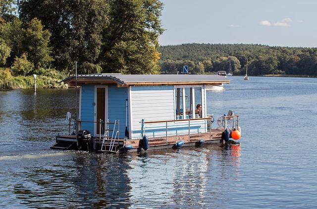 hausbót na jezeře