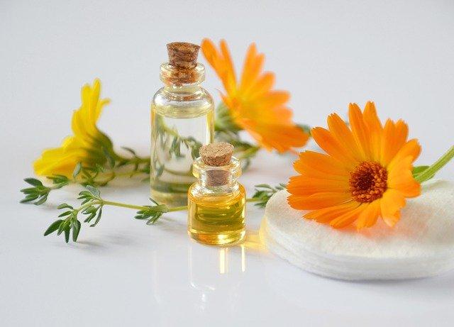 kosmetický měsíčkový voňavý olej